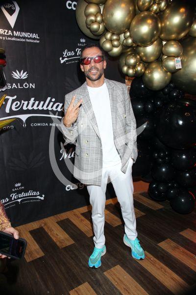 Pedro Moctezuma celebra a Sergio Mayer