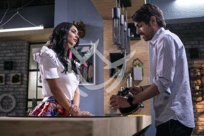 Claudia y José María en Fuego Ardiente