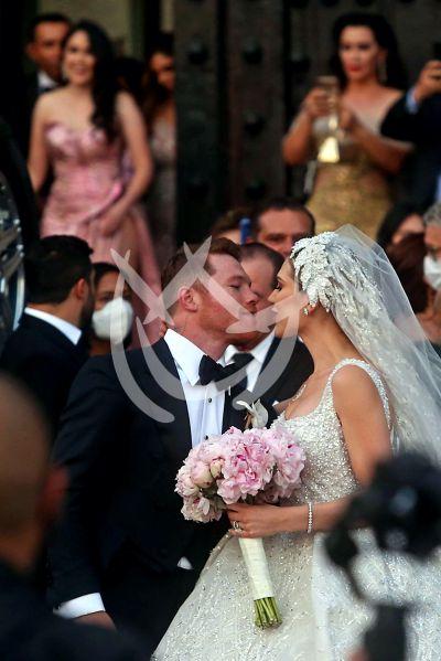 'El Canelo' se casa en su natal Guadalajara