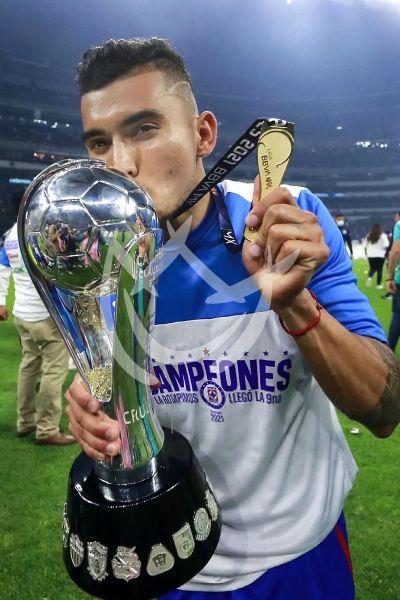 Orbelin Pineda campeón