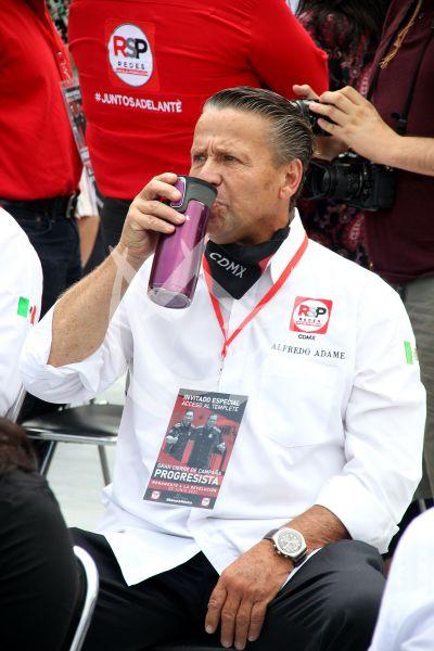 Alfredo Adame cierra campaña para elecciones en México
