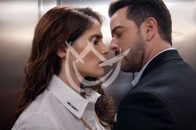 Mane y Eva en 'Qué Le Pasa A Mi Familia'