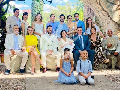 ¿Qué Le Pasa A Mi Familia? elenco