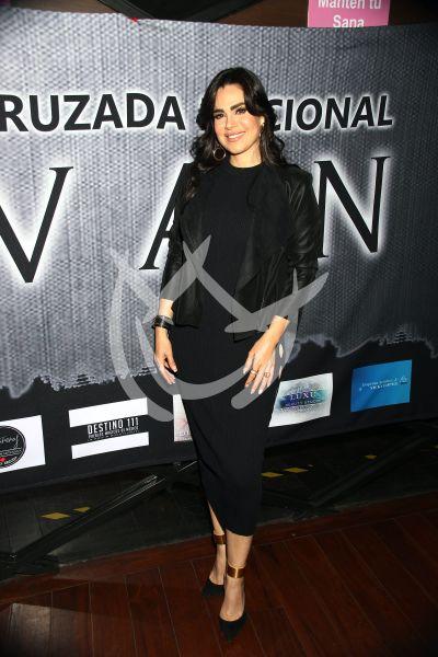 Luz Elena González te invita un vinito