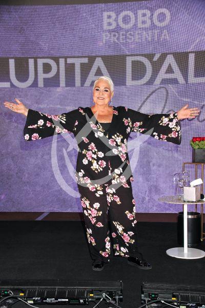 Lupita D\'Alessio dice Aquí Estoy Yo
