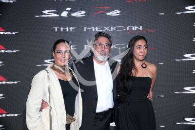 Benny Ibarra Garza y familia en Sie7e