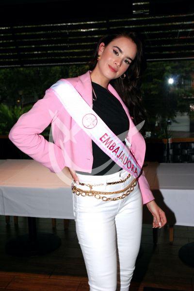 Gala Montes por el cáncer de mama