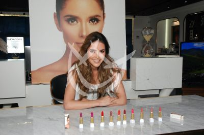 Marlene Favela te maquilla