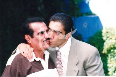 Vicente y Alejandro Fernández beso