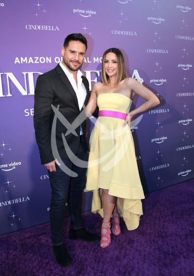Carmen Villalobos con Sebastián Caicedo y más invitados a Cinderella
