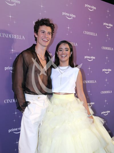 Camila Cabello y Shawn Mendez es Cinderella