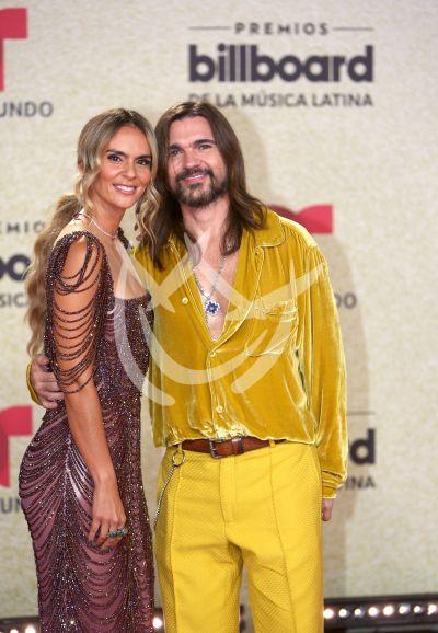 Juanes y Karen Martínez en Latin Billboard