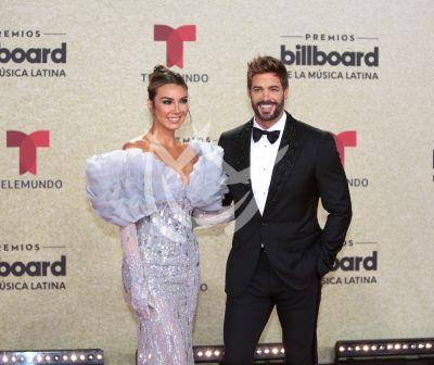 William Levy y Elizabeth Gutiérrez en Latin Billboard