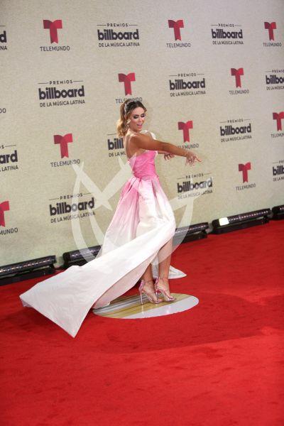 Jacky Bracamontes en Latin Billboards