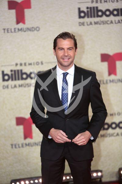 Julio Vaqueiro en Latin Billboards