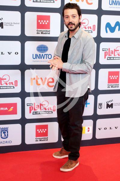Diego Luna es Platino