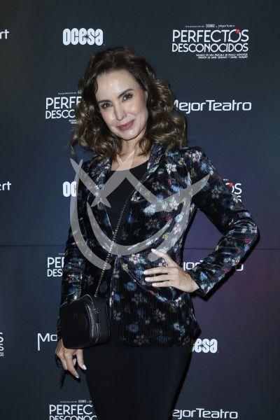 Alejandra Barros con Perfectos Desconocidos