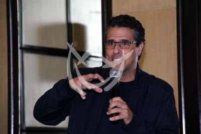 Marco Antonio Regil de medalla