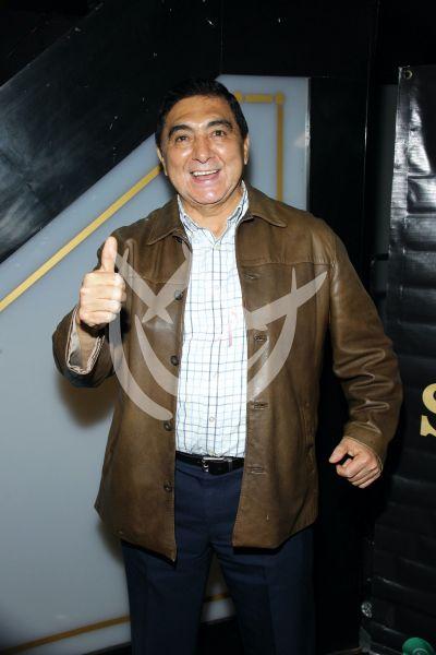 Carlos Bonavides en Amor De Tres
